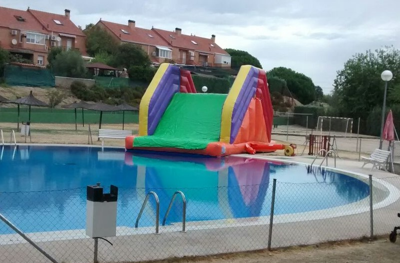Tobog n hinchable piscina super tobog n piscina for Piscinas desmontables hinchables